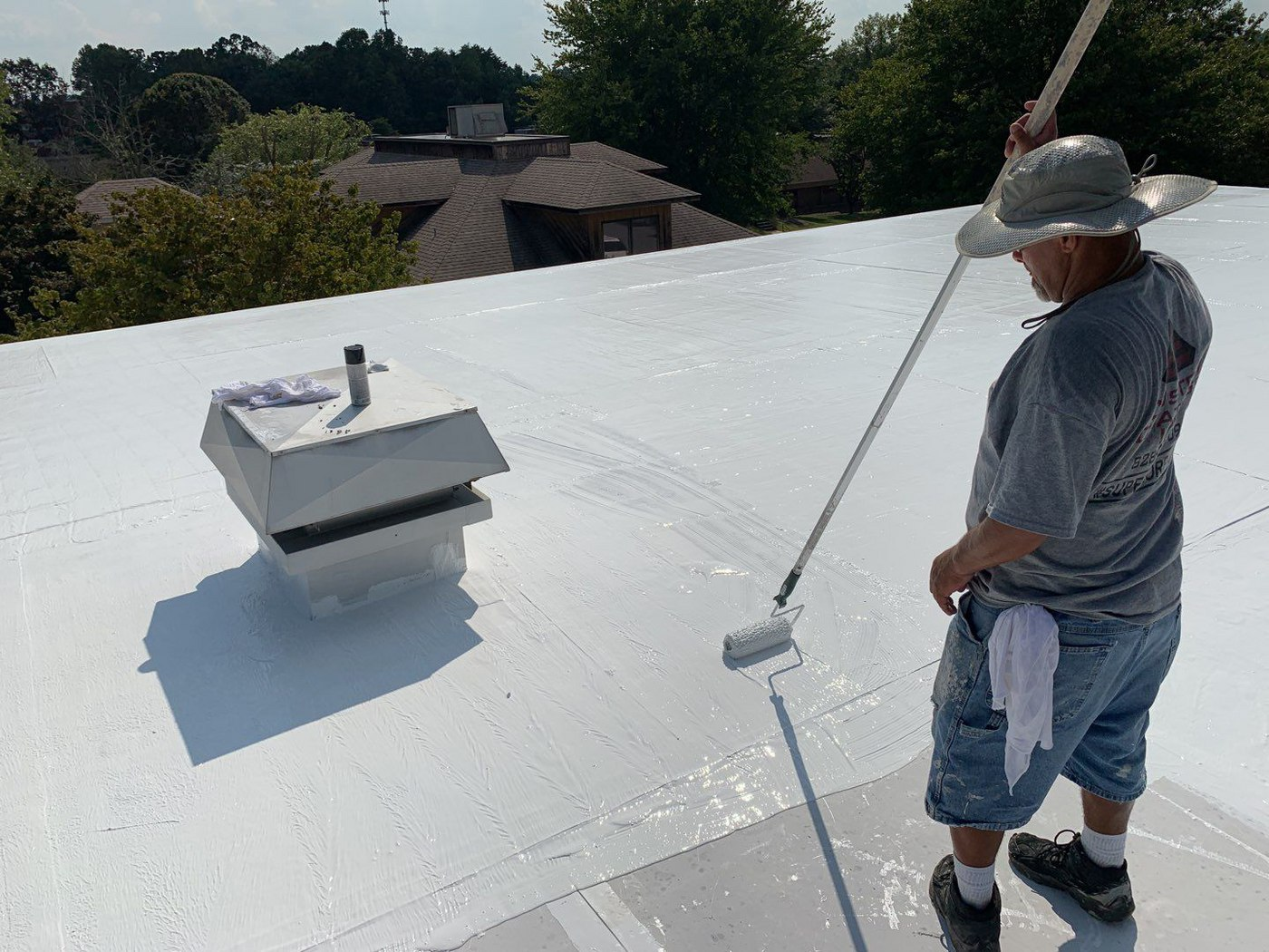 How much does it cost to coat a flat roof?